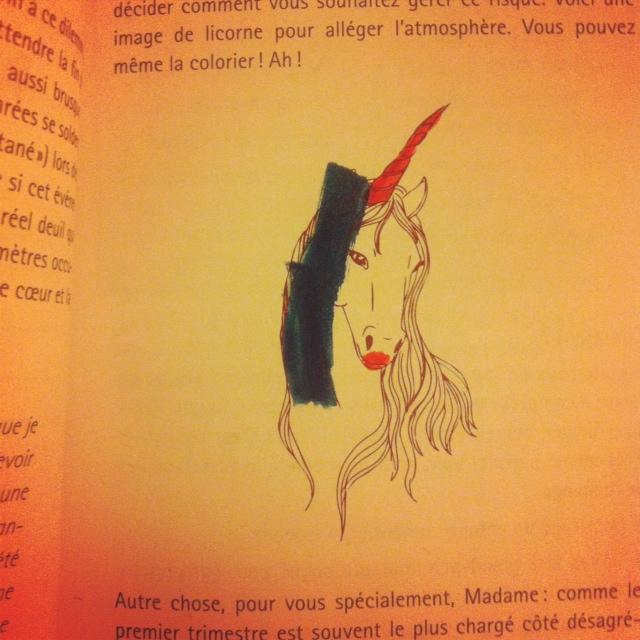 Mon fils m'a aidée à dessiner une licorne que Marianne a placé dans son livre pour détendre l'atmosphère.