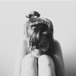 laughing girl par Polyvore